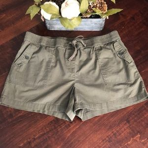 Loft Outlet Olive Green Cargo Shorts Sz L